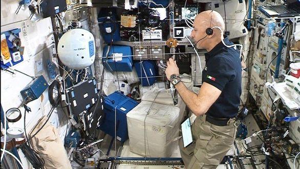 Космический робот-помощник CIMON-2 успешно прошёл первые испытания на МКС