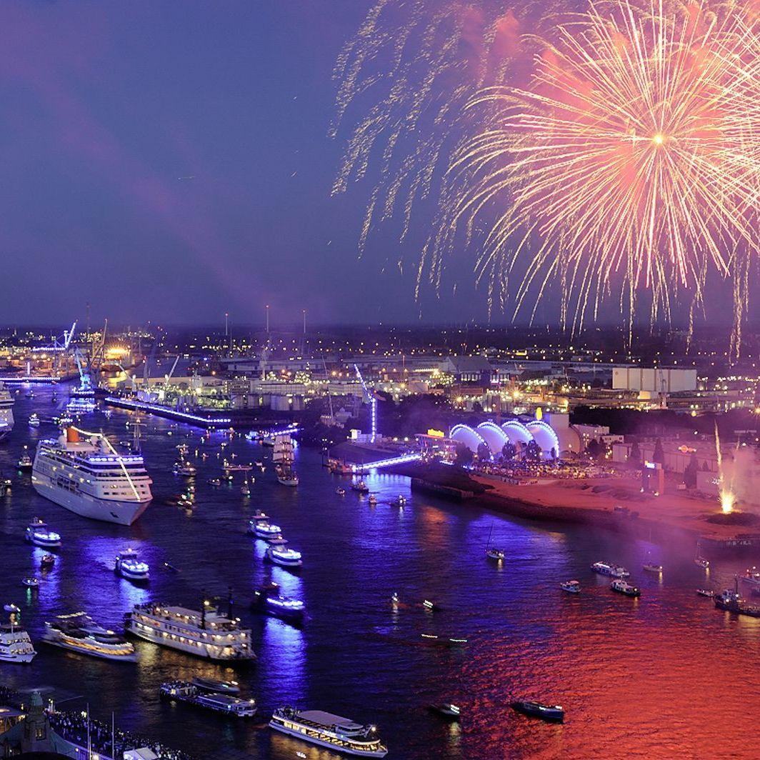 Фестиваль круизных лайнеров в Гамбурге