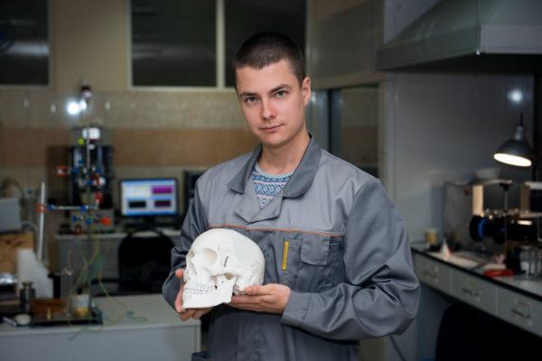 Российские ученые разработали импланты из полиэтилена