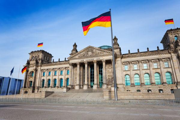 Немецкие инвестиции в Россию составят сотни миллионов долларов