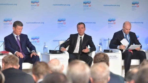 Дмитрий Медведев пообещал свободу региональным властям