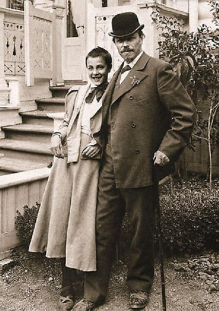 Михаил Нестеров с дочерью Ольгой