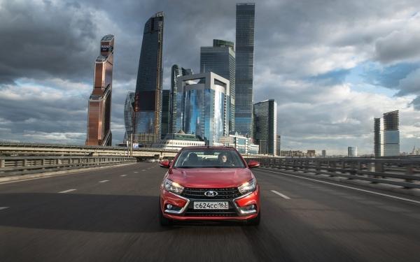 LADA Vesta и LADA XRAY авторизованы для использования в системе Яндекс.Такси во всех регионах России