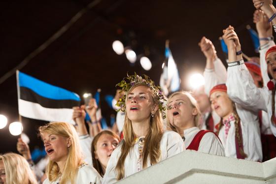Праздник песни и танца в Таллине и Тарту