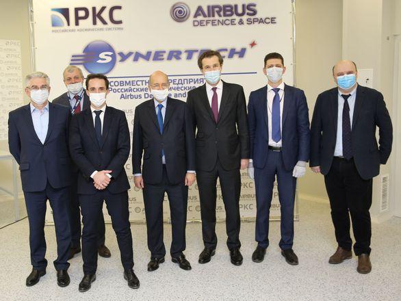 Министр транспорта Франции посетил с официальным визитом совместное предприятие Airbus Defence and Space и РКС в Москве