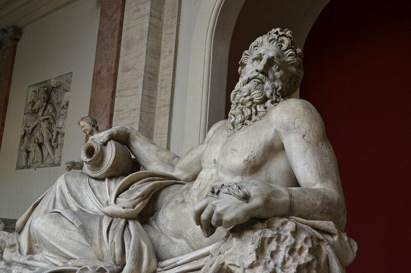 """Древняя римская статуя """"Река Тигр"""""""