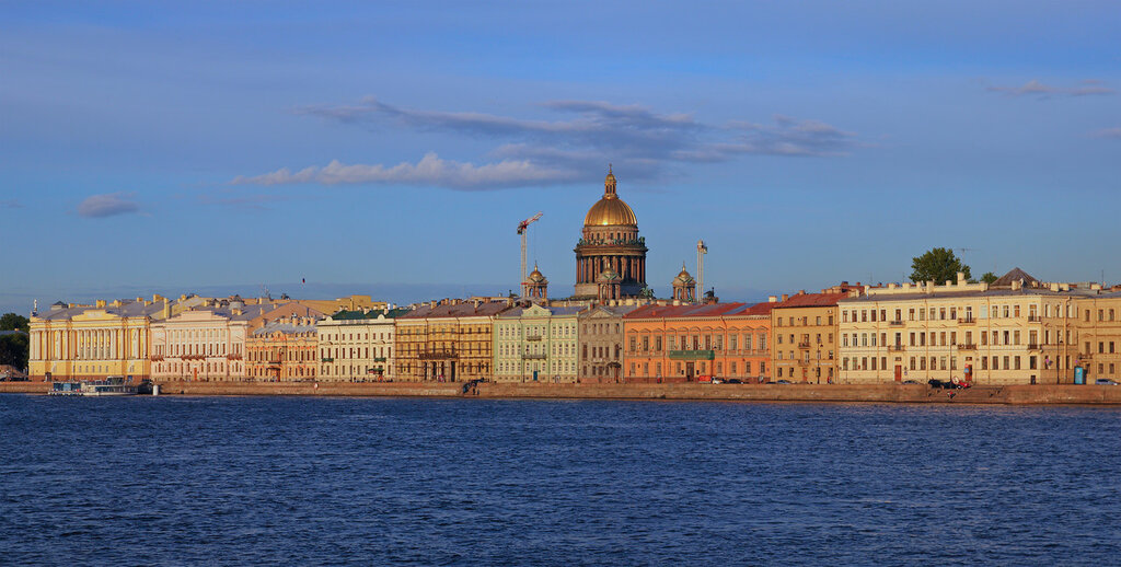 Spb_06-2012_English_Embankment_01.jpg