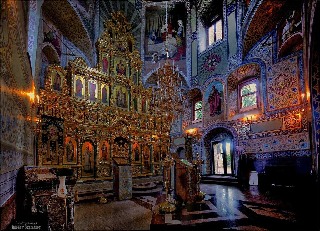 Интерьер Успенской церкви.