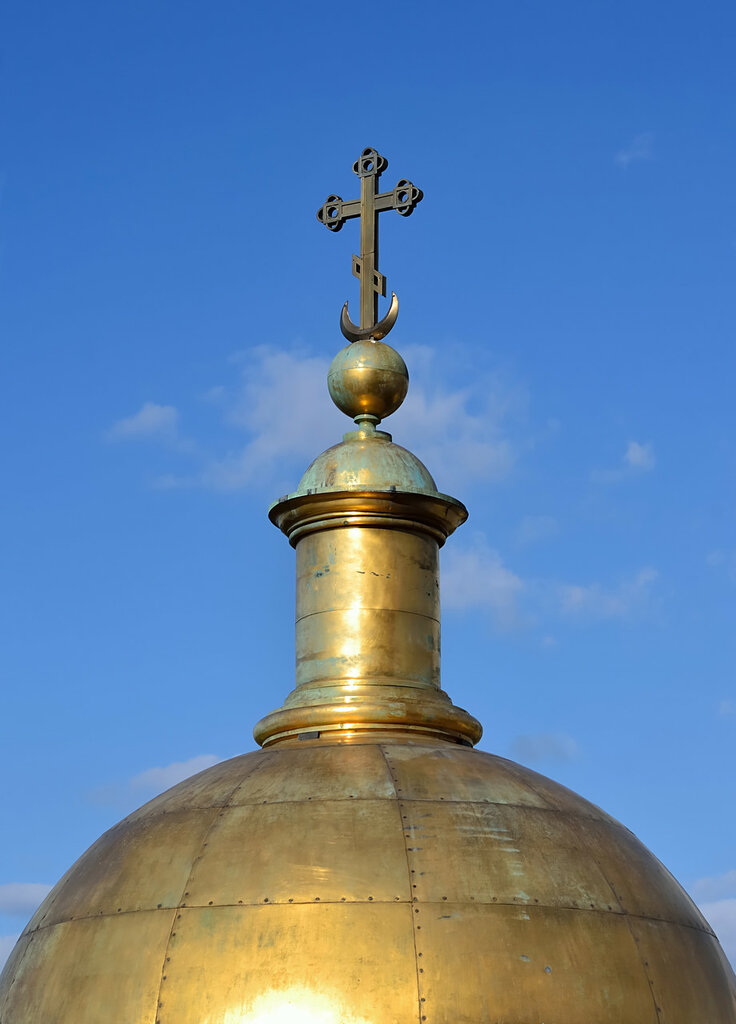 Cupola_of_a_belfry_of_Saint_Isaac's_Cathedral.jpg