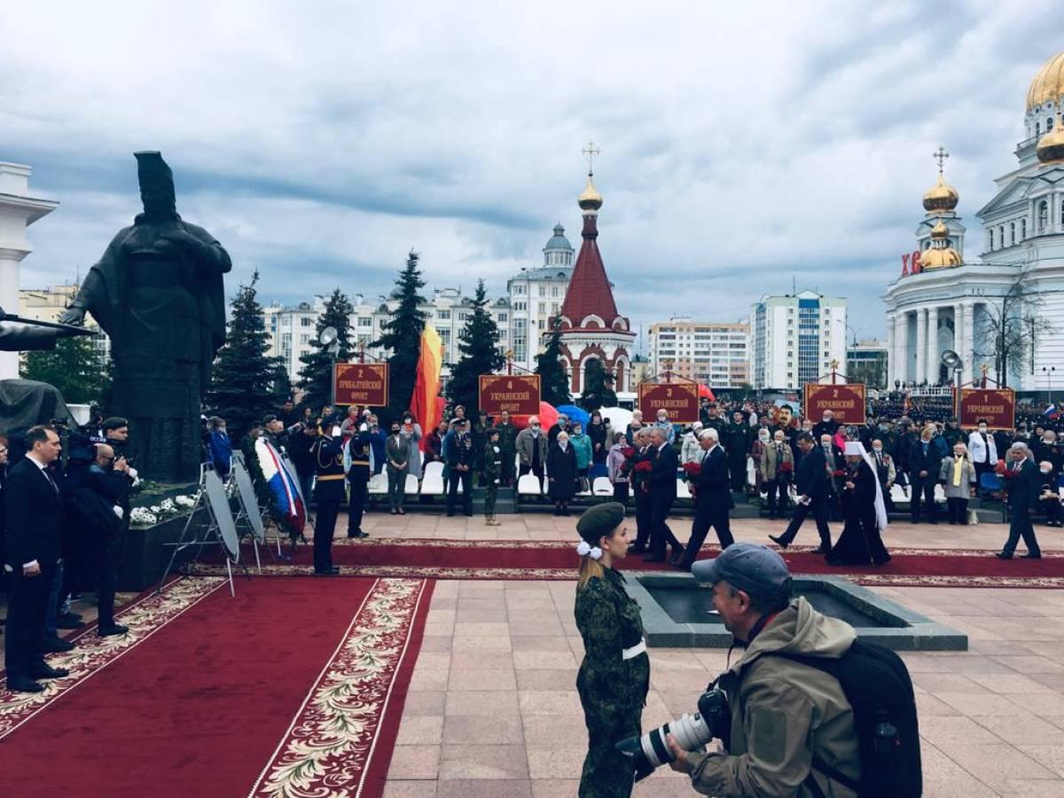Александр Воробьев принял участие в Параде Победы