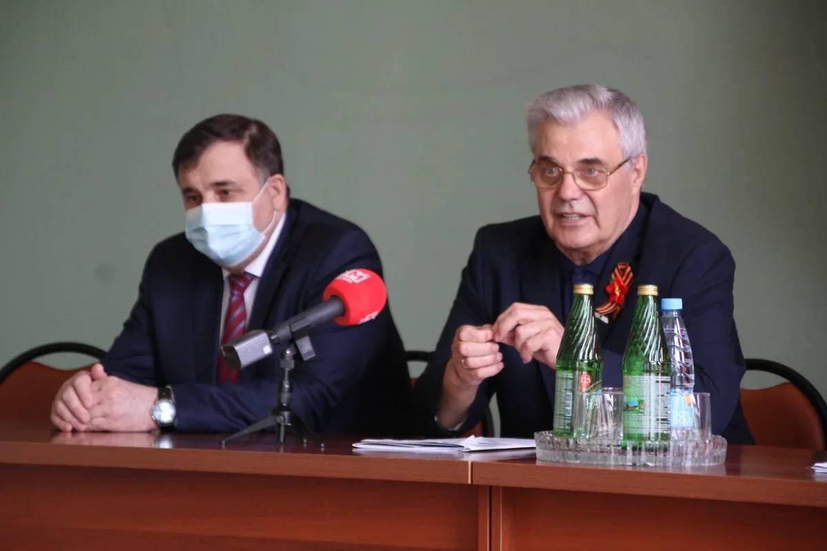 Послание Президента и предстоящие выборы обсудили на встрече с партактивом в Ельниковском районе