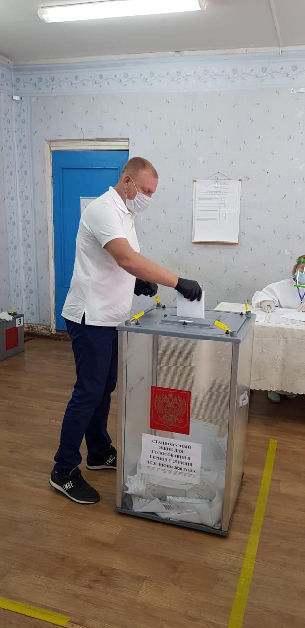 Сенаторы от Волгоградской области проголосовали за будущее России