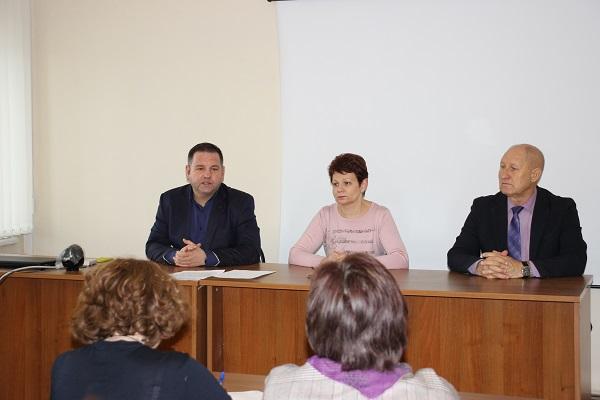 В рамках партпроекта «Новая школа» в Волгограде обсудили вопрос введения обязательного ЕГЭ по иностранному языку