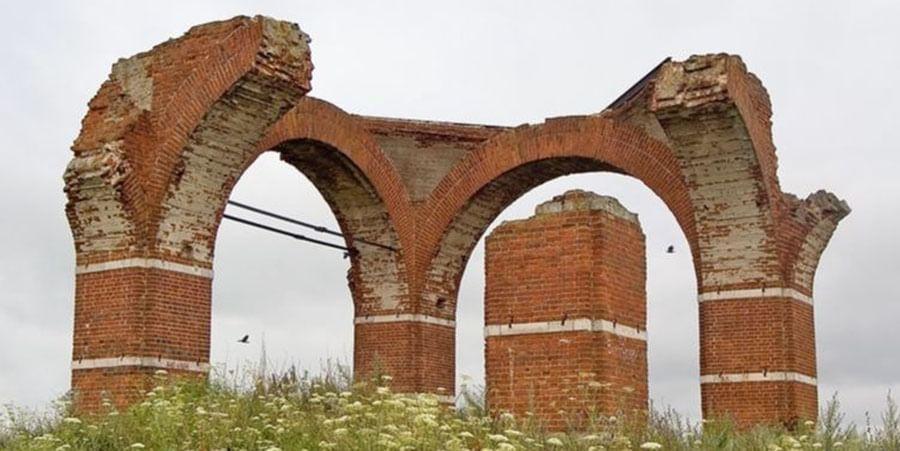 Руины храма. Фото.