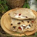 Ржано-пшеничная лепешка с начинкой из индейки