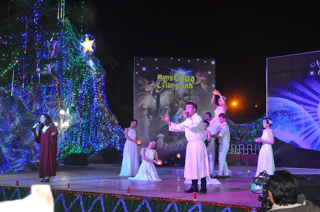 Đêm Thánh Ca Hát Mừng Con Thiên Chúa Giáng Trần Tại Giáo Xứ Tân Thông - Ảnh minh hoạ 7