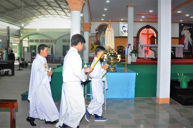 Cảm Nhận Về Thánh Lễ Lúc 12 Giờ Trưa Tại Các Giáo Xứ - Ảnh minh hoạ 3