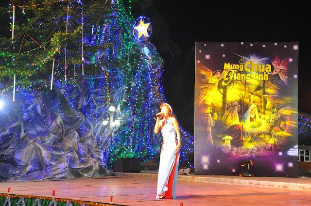 Đêm Thánh Ca Hát Mừng Con Thiên Chúa Giáng Trần Tại Giáo Xứ Tân Thông - Ảnh minh hoạ 10