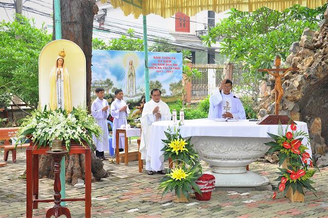 Cảm Nhận Về Thánh Lễ Lúc 12 Giờ Trưa Tại Các Giáo Xứ - Ảnh minh hoạ 25