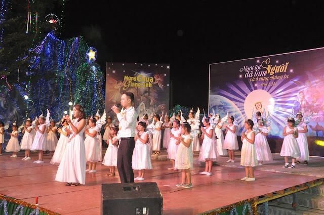 Đêm Thánh Ca Hát Mừng Con Thiên Chúa Giáng Trần Tại Giáo Xứ Tân Thông - Ảnh minh hoạ 21