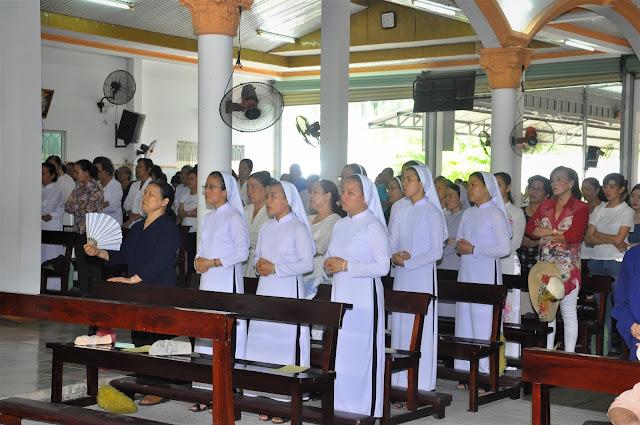 Cảm Nhận Về Thánh Lễ Lúc 12 Giờ Trưa Tại Các Giáo Xứ - Ảnh minh hoạ 4
