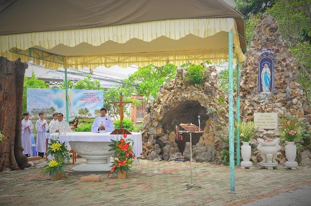 Cảm Nhận Về Thánh Lễ Lúc 12 Giờ Trưa Tại Các Giáo Xứ - Ảnh minh hoạ 21