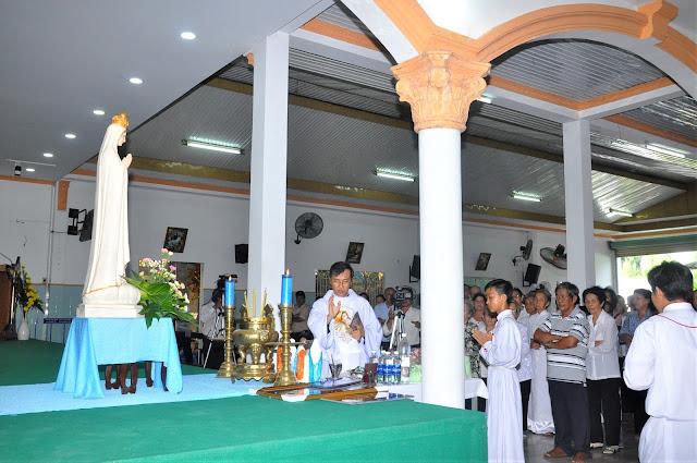 Cảm Nhận Về Thánh Lễ Lúc 12 Giờ Trưa Tại Các Giáo Xứ - Ảnh minh hoạ 16