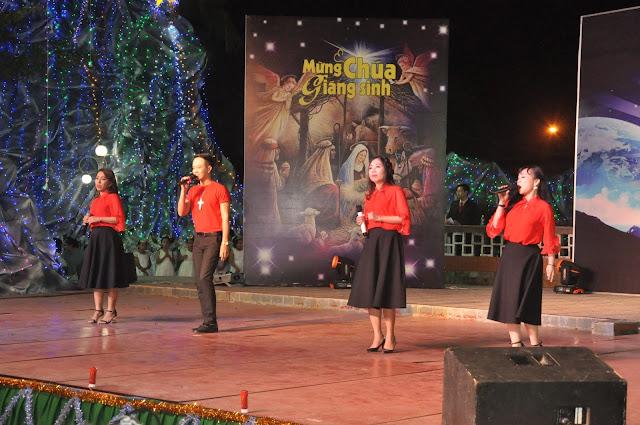 Đêm Thánh Ca Hát Mừng Con Thiên Chúa Giáng Trần Tại Giáo Xứ Tân Thông - Ảnh minh hoạ 18