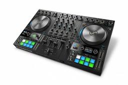 Native Instruments Traktor Kontrol S4 Mk3 4-х канальный контроллер для Traktor Pro/DJ, 2 цветных дис