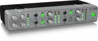 Behringer AMP800 Компактный 4-канальный усилитель для стереонаушников