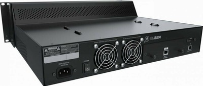 MACKIE DL32R 32-канальный цифровой аудио микшер с WiFi управлением через iPad, 32 микрофонных предусилителя Onyx+, 14 назначаемых XLR выходов, цифровой AES выход, АЦП/ЦАП преобразователи 24 бит, 14 AUX посылов, 6 VCA групп, 6 mute групп, поддержка плагино