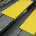 Противоскользящая пластина с углом, среднее зерно, желтый (230 x 1000 x 30мм) {GKMG2301000}