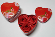 """Подарочный набор """"Розы из мыла"""" в мет.коробочке """"Сердце"""""""