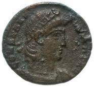 Монета Римская Империя Констанций II 324–361 гг фракция фоллиса (реверс: два воина стоят лицом друг к другу, между ними один штандарт) A391346