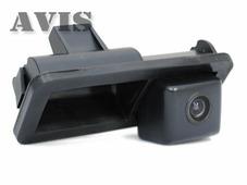 AVEL CCD штатная камера заднего вида AVIS AVS321CPR (#013) для FORD C-MAX / FIESTA VI / FOCUS II / KUGA / S-MAX, интегрированная с ручкой багажника