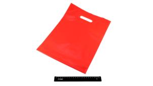 Пакет ПВД красный, с вырубной ручкой 30*40 70мкм, активированный, для шелкографии.5678/01k