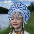 """Кокошник """"Венец"""" взрослый (белый с сине-голубой окантовкой)"""