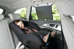 Шторка солнцезащитная для стекла автомобиля на присоске 2 шт Safety 1st ROLLERSHADE (артикул 38046760)