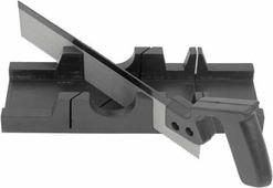 Стусло пластиковое с ножовкой Fit, цвет: черный