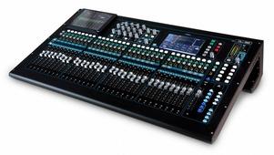 ALLEN&HEATH QU-32C - Цифровой микшер 32 микрофонных - линейных входа, хром