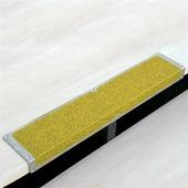 Алюминиевый профиль с противоскользящей лентой, пластина с углом, желтый (120 х 45 х 1000 мм) {AKM1GF2}