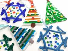 Елочные стеклянные игрушки ручной работы. Новогодняя атрибутика