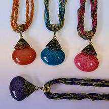 Подвески и шнурки Прочие производители Ожерелье с кулоном праздничное (разные цвета, 5 см.), 1 шт.