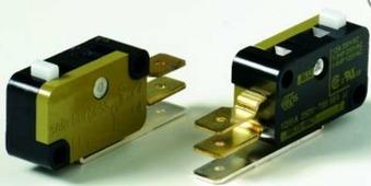 1SDA0 62102 R1 AUX T7-T7M-X1 2Q Дополнительный контакт состояния 2ПК 400V AC (без кабеля) ABB, 1SDA062102R1