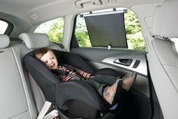 Шторка солнцезащитная для стекла автомобиля на присоске 1 шт Safety1st ROLLERSHADE (артикул 38045760)