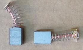 щетки угольные DM1311F 5,8*11*13,6 квадр. разъем, пруж. (2 шт) WORTEX R6170-34