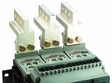 Вертикальный соединительный адаптер (1компл.-3шт) Schneider Electric, 33642