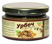 Vegan food Урбеч из грецкого ореха