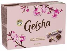 Набор конфет Fazer Geisha из молочного шоколада с нежной начинкой из орехового пралине из фундука 150 г