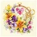Чудесная Игла Набор для вышивания Лилии для рукодельницы 25 x 25 см (100-121)